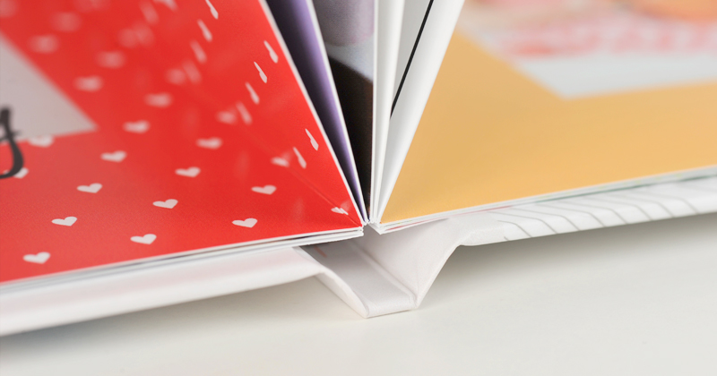 A Lay Flat Photobook adds the perfect touch to those special photobooks.! Use this premium paper upgrade for your next photobook, it allows you to have an image spread over the two pages which is great for stunning landscape and professional shots.